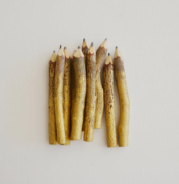 crayons en brindille or